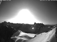 chamonix-webcam-white-valley